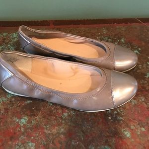 Easy Spirit Womans Gray Slip On Shoes Size 9